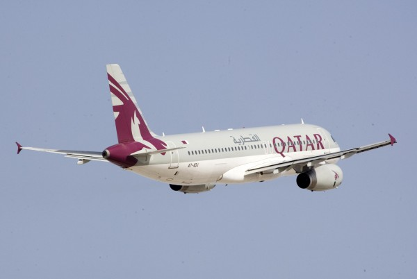 Qatar_Airways_flying_high_in_East_Africa
