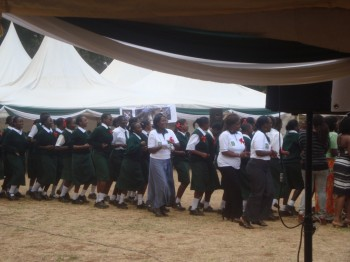 The Old girls, teachers and the current students all took the inter-house fun music competition seriously