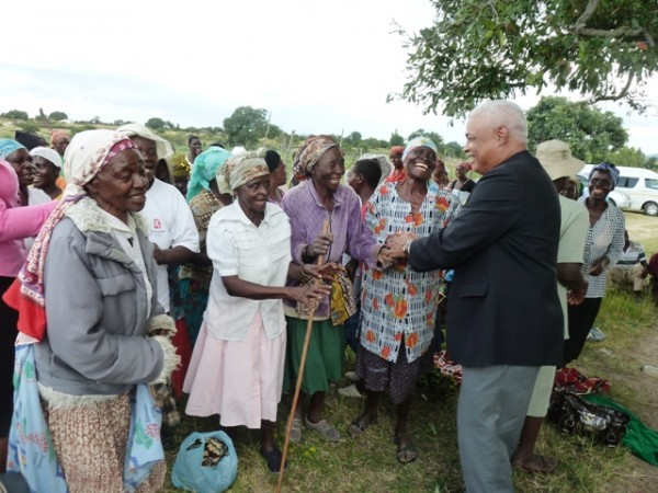 United States Ambassador Charles Ray on Wednesday pays tribute to grandmothers in Shurugwi