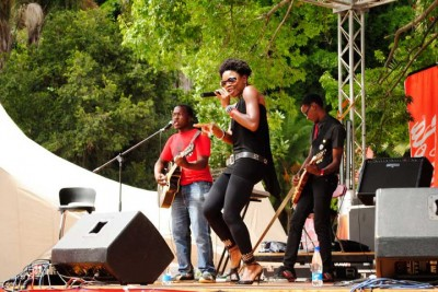 Black Bird performs with a live band at the 2011 HIFA