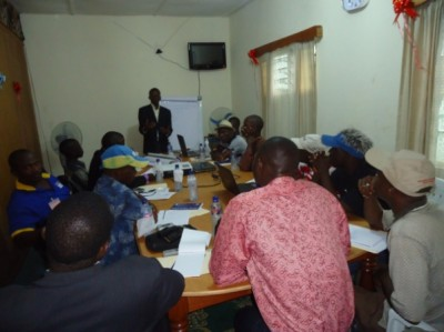 Press Union of Liberia (PUL) President, Peter Quaqua facilitating one of the sessions of the WASH Media Training