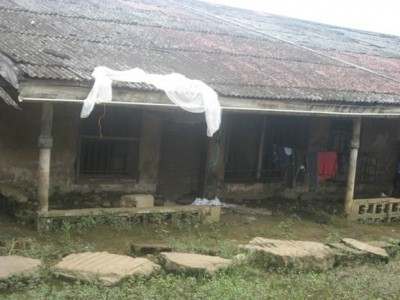 A house abandoned due to flooding in Bong Mines Bridge Community