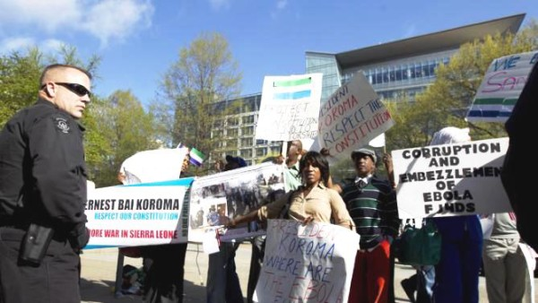 Dr. Fuambai Sia Ahmadu -center- Concerned Sierra Leoneans USA - National Coordinating Committee Member leads demonstration against President Ernest Koroma at World Bank HQ in Washington