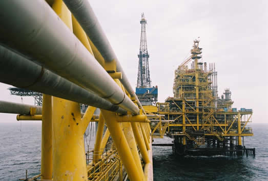 Oil production platform