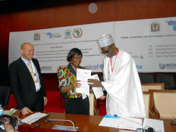 Following the signing of the MOU between WaterAid and AMCOW at the close of Africa Water Week