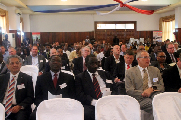 Local and international Guests at the Program/Forum