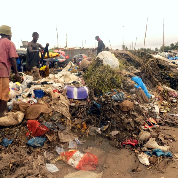 Garbage at Gobachop market in Paynesville