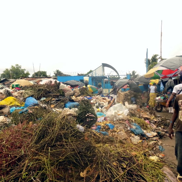 Partial view of the Garbage in the Gobachop community